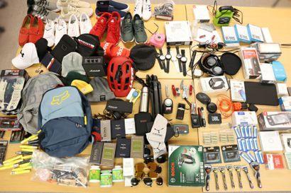 Poliisi löysi huomattavan määrän Etelä-Lapin ja Oulun kaupoista varastettua tavaraa – Yrityksiltä toivotaan pikaisia yhteydenottoja