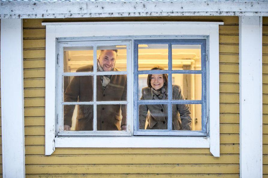 Oulun kaupungin sivistys- ja kulttuuripalveluissa pohditaan paraikaa esimerkiksi museo- ja tiedekeskus Luupin tulevaa toimintaa tai uusien luovien toimintatilojen hakemista esimerkiksi Pikisaaren koulutustoiminnasta vapautuvalta alueelta.
