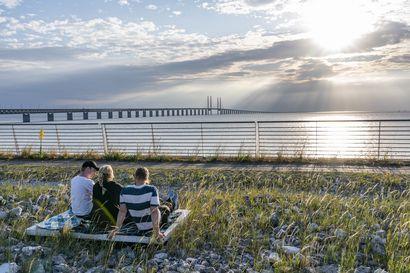 Joistain Ruotsin alueista voi nyt matkustaa Tanskaan ja Norjaan – kotimaanmatkailu huolettaa Ruotsissa