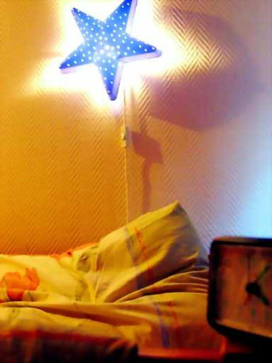 Unettomuus nuorten ongelma. Noin kymmenen prosenttia nuorista kärsii pitkäaikaisesta unettomuudesta.
