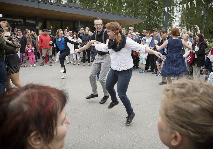 Viime vuonna Puistopiknik-sarja käynnistyi Otto Karhin puiston virallisilla avajaisilla.