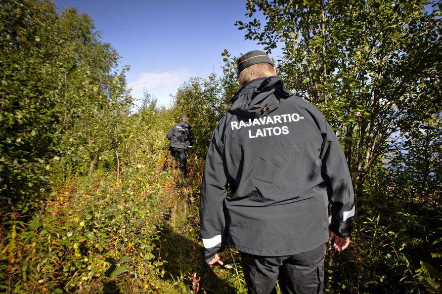 Rajavartiolaitos epäilee marokkolaistaustaista miestä laittoman maahantulon järjestämisestä.