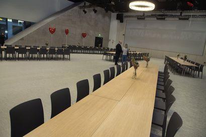 """Puheenaihe: Tarvitaanko Ouluun oma kongressikeskus suuria kokoustapahtumia varten? """"Kokousvieraat ovat yleensä olleet tyytyväisiä oululaisiin kokousjärjestelyihin"""""""