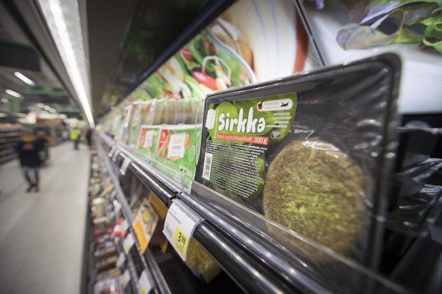Hyönteisiä sisältäviä elintarvikkeita on jo runsaasti kauppojen hyllyillä.