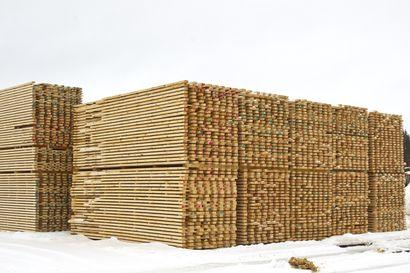 """Metsäteollisuuden ilmoitus siirtymisestä paikalliseen sopimiseen tuli äkkiä, muttei yllättäen kuusamolaiselle Pölkky Oy:lle sekä Jokilaaksoissa toimivalle Junnikkalan sahalle: """"On tätä jo aavisteltukin"""""""