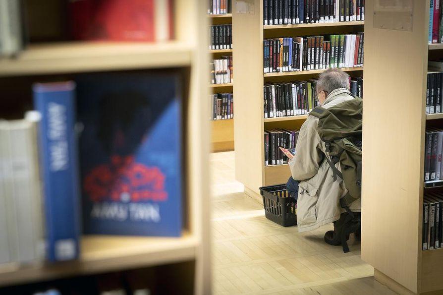 Kirjastojen päätehtävä on yhä kirjojen lainaaminen, mutta niiden palvelut monipuolistuvat koko ajan.