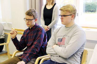Päättäjät kuuntelivat Lapin nuorten hyviä kysymyksiä tarkasti → nuorisoa kiinnostivat muun muassa Lapin elinkeinoelämä ja harrastustoiminta