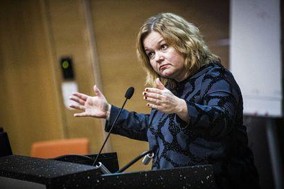 Ministeri Krista Kiuru neuvoi kuntia säilyttämään terveyskeskukset – Sote-uudistus eduskuntaan vuoden loppuun mennessä