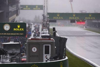 Kommentti: F1-kisan peruminen sateen vuoksi ei ole tavatonta – nuori hurjapää George Russell sai palkinnon hienosta aika-ajokierroksestaan