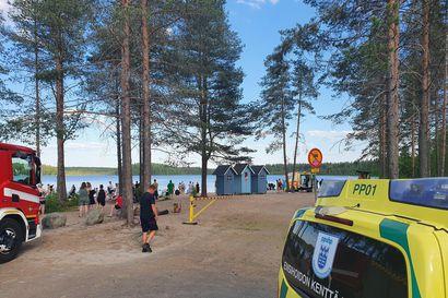 Nainen hukkui Oulussa Valkiaisjärven uimarannalla – Poliisi: vedessä ollut menetti tajuntansa tuntemattomasta syystä