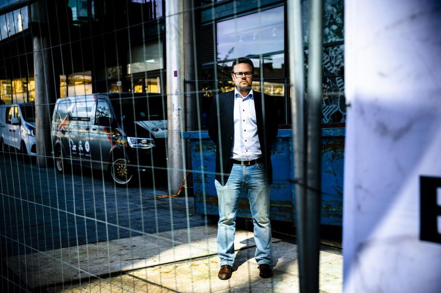 Rakennusalan etujärjestön vastaavan lakimiehen Ville Wartiovaara mukaan kiristysyrityksissä rakennusyhtiöillä pitäisi olla yksi ainoa vaihtoehto: tehdä asiasta rikosilmoitus.
