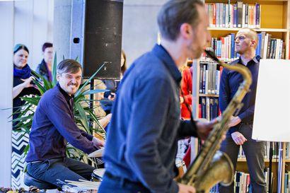 Rumpali Teppo Mäkynen etsii jazzin sielua Elojazzeilla