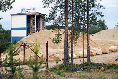 Hammastunturin paliskunta kiistää sorayrittäjän syytökset: Poro ei kaiva ulosteita maahan, ne olisi pitänyt huomata