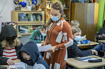 Oulun yläkoulujen oppilaat käyttävät viikossa lähes 113 000 kasvomaskia – Penttilä: Kasvomaskeista on ollut hyötyä jo nyt