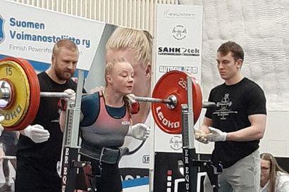 Johanna Kankus voimaili 8. peräkkäisen SM-kullan