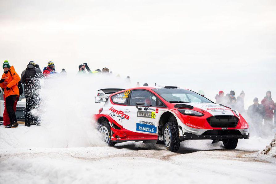 Yksityinen talli vuokraa WRC-autoa avaimet käteen periaatteella. Toiminta-alueena on koko maailma.