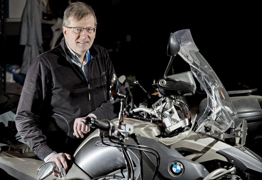 Oulu MC:n puheenjohtaja Matti Träskelinin mukaan kaikkien motoristien kannattaisi pitää ajotaitoaan yllä koulutuksien avulla.
