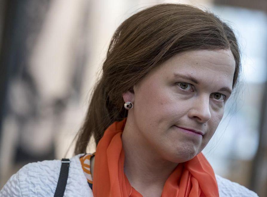 Mari-Leena Talvitietä (kok.) esitetään puolueen varapuheenjohtajaksi.