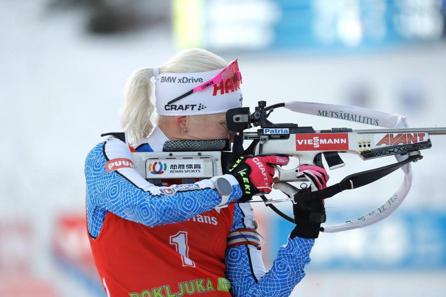 Kaisa Mäkäräinen on voittanut ampumahiihdon naisten maailmancupissa 10 kilometrin takaa-ajokisan Itävallan Hochfilzenissä.  Arkistokuva.