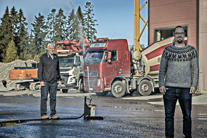 Betonimiesten taakka keveni – oululainen Ruskon Betoni myi Pyhäjoen ydinvoimala-alueella uinuneet betoniasemansa venäläiselle pääurakoitsijalle