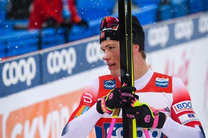 Jonna Sundling ja Johannes Kläbo ykköset maailmancupin sprintissä
