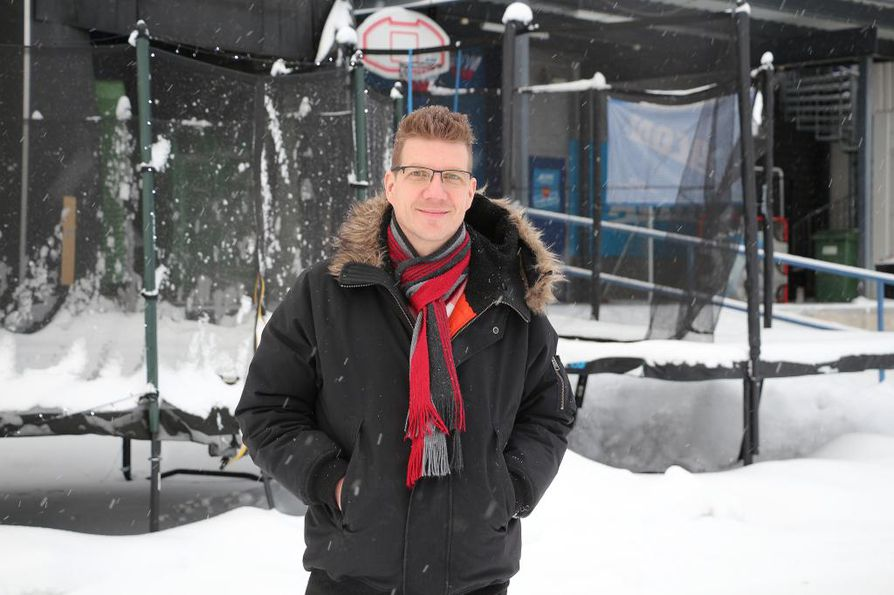 Oululaisyritys Acon Finland Oy Ltd:n toimitusjohtaja Tarmo Sallinen kertoo, että verkkokauppa on heidänkin alallaan todella merkittävä myyntikanava.