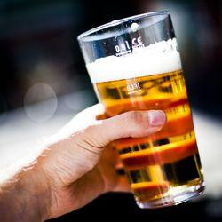 """Toipumisen alkuun tipattomalla tammikuulla: """"Jos alkoholin käyttö aiheuttaa haittaa, kannattaa hakeutua hoitoon ja myös saman kokeneiden vertaistuen pariin"""""""
