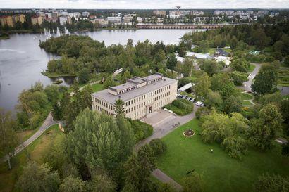 Voisiko Ainola muuttua museosta toimistorakennukseksi? – Tällainen on puiston keskellä sijaitseva jylhä klassikko, jonka myymistä Oulu harkitsee