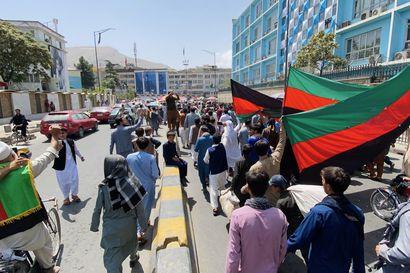 Taleban julisti perustaneensa Afganistanin islamilaiseksi emiraatiksi nimeämänsä valtion