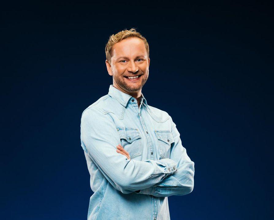 Mikko Silvennoinen on jo seitsemättä kertaa töissä Euroviisuissa. Hän on ollut mukana sekä selostajana että toimittajana.