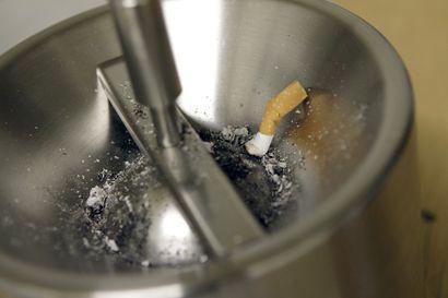 Korona säikäytti tupakoitsijat – lähes 10 000 suomalaista lopettanut sauhuttelun virukseen liittyvien terveysriskien vuoksi