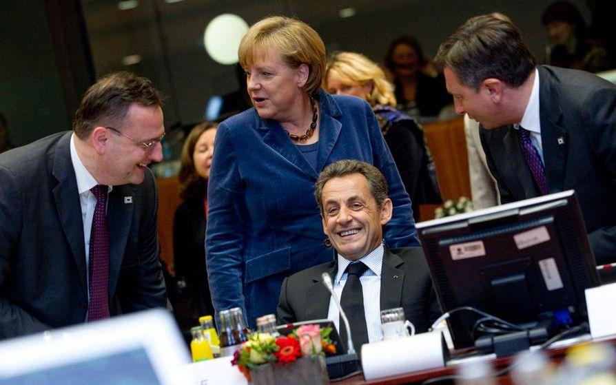 Talouskriisin hoitamista uhkasi Saksan liittokanslerin Angela Merkelin ja Ranskan presidentin Nicolas Sarkozyn näkemyserot.