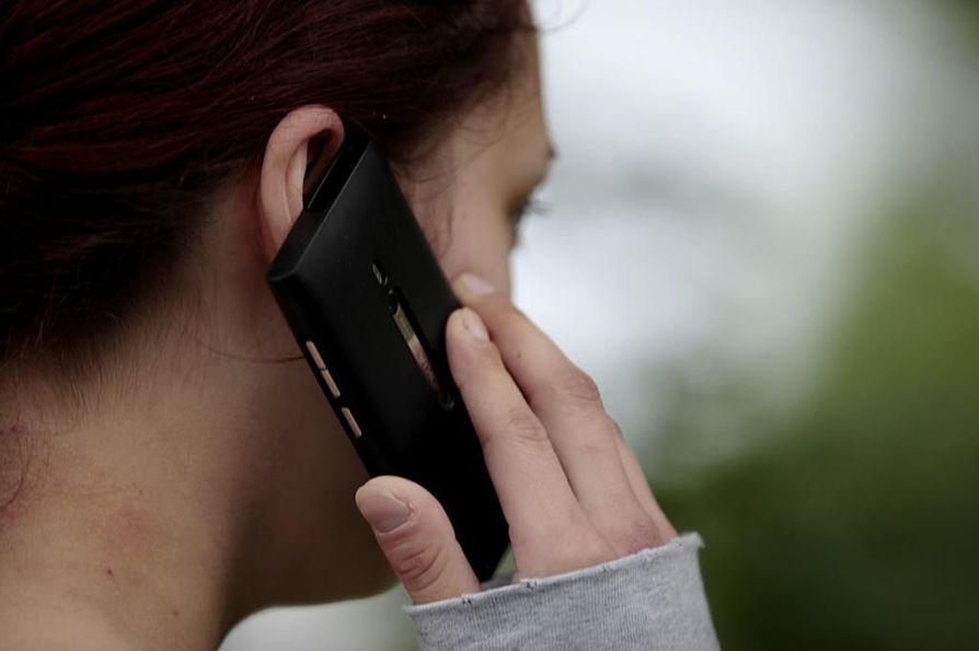 Nokia oli aikoinaan maailman suurin matkapuhelinvalmistaja. Kuvassa ensimmäisiin Lumia-sarjan laitteisiin kuulunut puhelin. Puhelimessa oli Windows-pohjainen käyttöjärjestelmä.