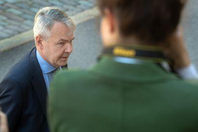 Mäenpään tapaus varjostaa Haavistoa – kesäkuun periaatteiden säilyminen on kysymysmerkki, kun ulkoministerin syytteestä äänestetään syksyllä