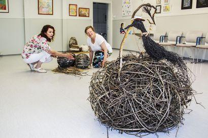 Paikallista taidetta kirjavasti esillä –Keminmaan Kuvataideseura Suman 40-vuotisjuhlanäyttelyn aukesi Liedakkalan koululla