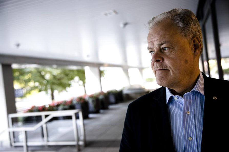 """Jukon ja OAJ:n puheenjohtajan Olli Luukkaisen mukaan kuntasektori oli kilpailukykysopimusuhkauksessaan """"ihan tosissaan""""."""