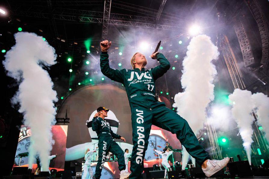 Helsinkiläisen rap-duon JVG:n nousuvauhti jatkuu, vuonna 2018 yhtye oli Suomen toiseksi kuunnelluin artisti Cheekin jälkeen.