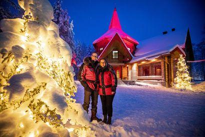 Joulumuorille nousi miljoonan hirsilinna – Rovaniemen Pajakylän tuorein rakennusinvestointi vastaa asiakkaiden kysyntään