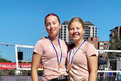 Enna Puro ja Elle Eteläinen pelasivat pronssia beach volleyn SM-turnauksessa