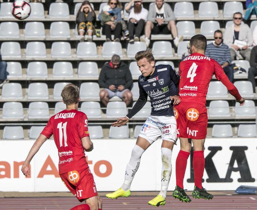 Sunnuntai-iltana AC Oulu jäi maalittomaan tasapeliin FF Jaroa vastaan