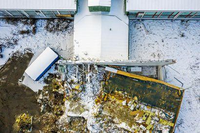 Karjasillan koulun purkutyöt täydessä vauhdissa – koulurakennus puretaan lähes kokonaan ja rakennetaan uudestaan saman näköiseksi