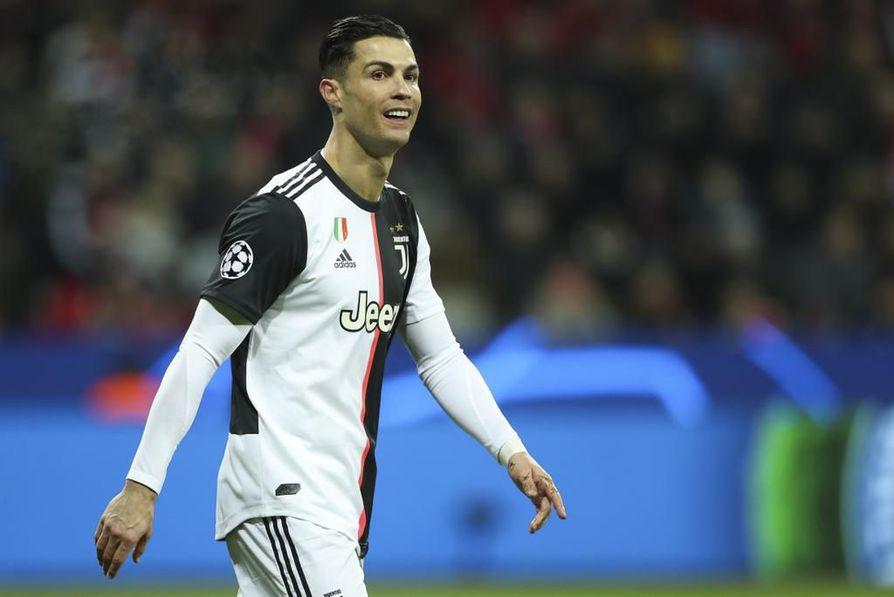 Cristiano Ronaldo on yksi maailman isoimmista urheilutähdistä. Hän kertoo elämästään ja suuresta intohimostaan, jalkapallosta.