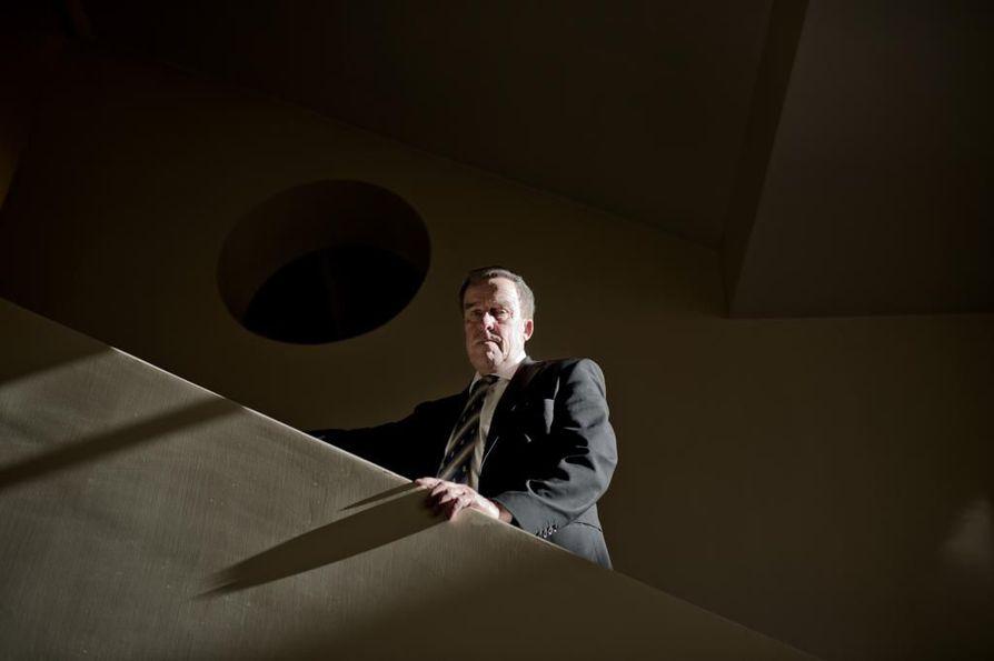Työ- ja elinkeinoministeriön entinen kansliapäällikkö Erkki Virtasen mielestä huoltovarmuustekijät voisivat toteutua huomattavasti matalammillakin omistusosuuksilla tietyistä yhtiöistä.