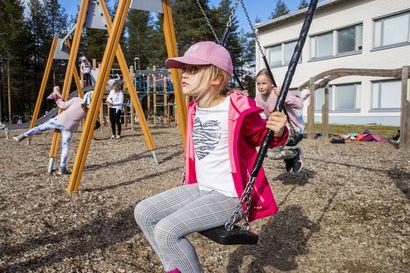 Poissaoloryöpsähdys rauhoittui Rovaniemen kouluissa – THL:n uudet koronavirusohjeet vähensivät oppilaiden poissaoloja, kun hengitystieinfektiosta ei enää joudu automaattisesti koronatestiin