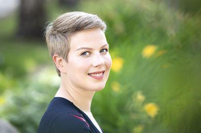 Vihreiden ryhmänjohtaja, oululaiskansanedustaja Jenni Pitko pyytää anteeksi valiokuntaneuvosta arvostellutta viestiä