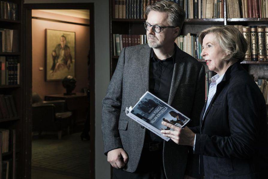 Taloustoimittajat ry:n puheenjohtaja Kirsi Turkki toivoo, että Jouni Yrjänän teos herättäisi keskustelua ammattikunnan historian lisäksi myös tulevaisuudesta.