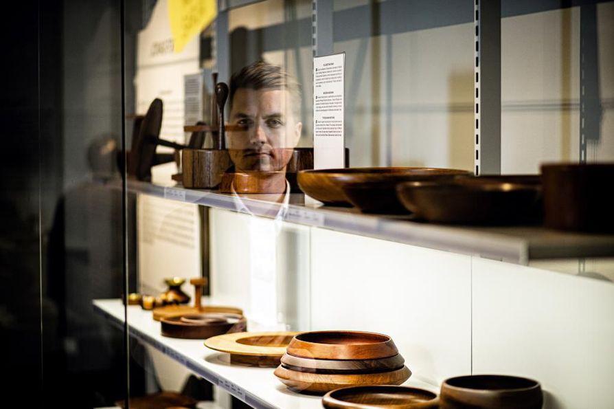 Designmuseon näyttely Keräilijät ja kokoelmat tuo yleisön eteen ensi kertaa yksityiskeräilijöiden designkokoelmia, jotka eivät normaalisti ole nähtävillä.