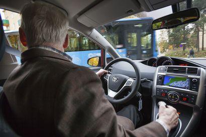 Milloin on aika huolestua läheisen ajokyvystä? Neurologi Mikael Ojala neuvoo, millaisiin asioihin toisen autoilussa kannattaa kiinnittää huomiota