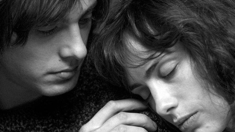 Nuori mies saapuu Lyonista Pariisiin opiskelemaan elokuvaa Oppivuodet pariisilaisittain -elokuvassa. Pääosissa muun muassa Andranic Manet ja Sophie Verbeeck.