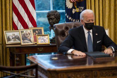 Presidentti Joe Biden salli transsukupuolisten palveluksen maan armeijassa – kumosi Donald Trumpin asettaman kiellon